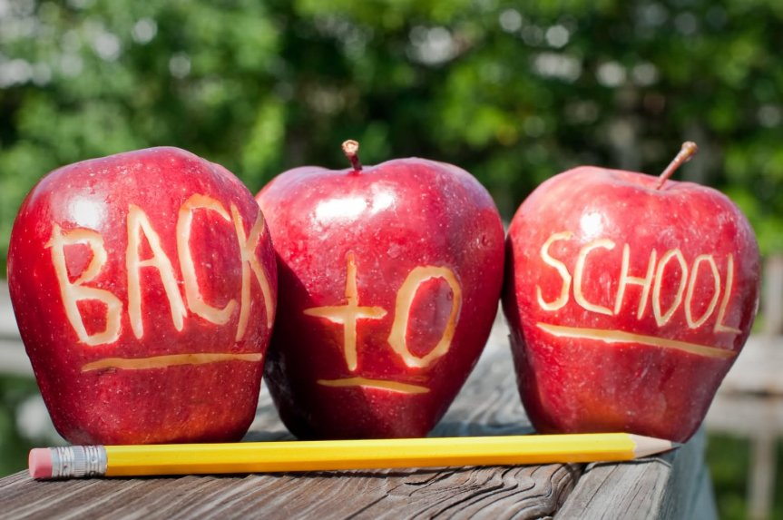 Back-To-School-Apple-Picture.jpg